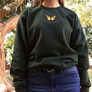 Sweaters - 🦋butterfly crew🦋